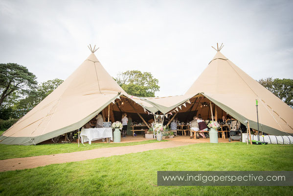 70-tipi-wedding-photography-north-devon-70
