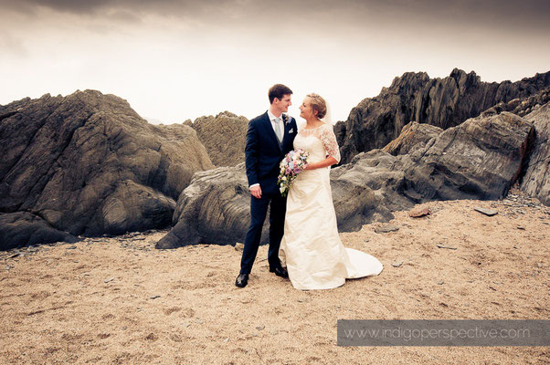 19-woolacombe-barricane-beach-wedding-north-devon-groom-bride-portrait