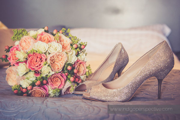 8-woolacombe-bay-hotel-wedding-photography-north-devon-flowers-shoes