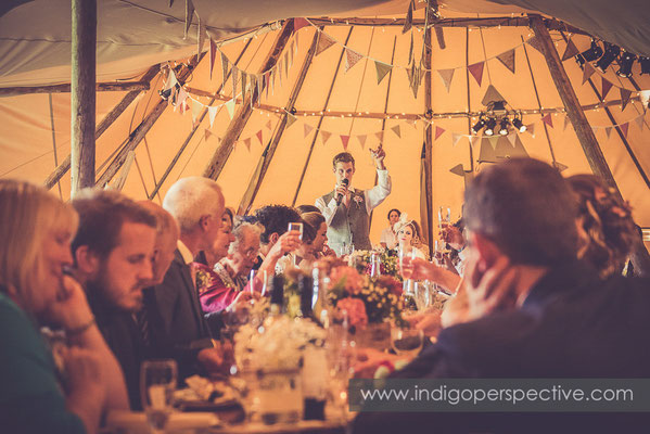 66-tipi-wedding-photography-north-devon-bestman-speech-toast-champagnevv