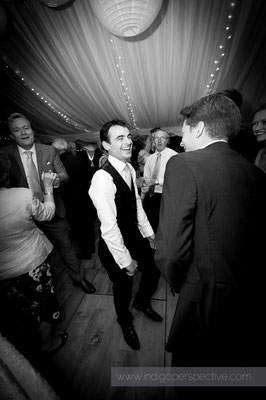 69-woolacombe-barricane-beach-wedding-north-devon-best-man-dancing