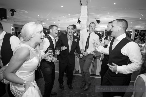 129-ocean-kave-wedding-photography-north-devon-evening-party