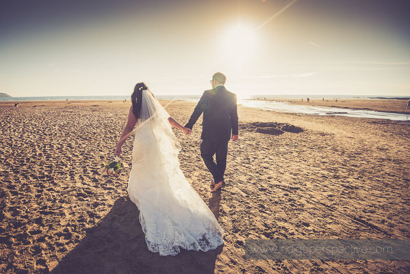 65-woolacombe-bay-hotel-wedding-photography-north-devon-bride-grrom-beach-evening