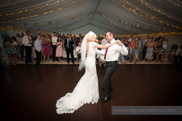 50-weirmarsh-farm-wedding-north-devon-first-dance-bride-groom