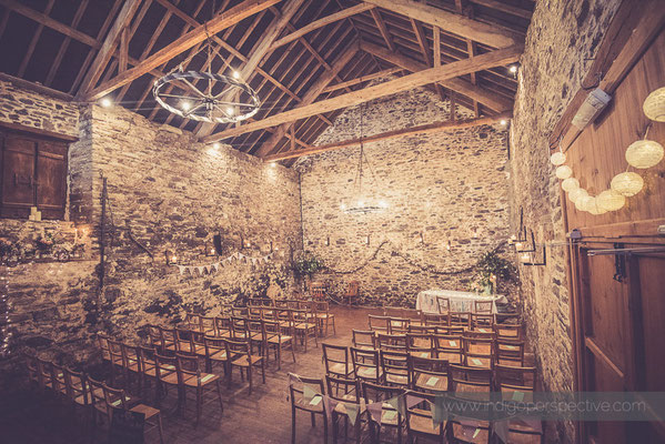 6-westcott-barton-wedding-photography-north-devon-ceremony-barn-rustic