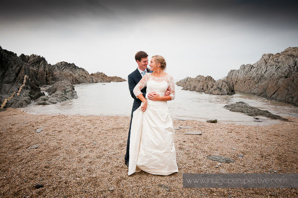 23-woolacombe-barricane-beach-wedding-north-devon-bride-groom-sea-beach
