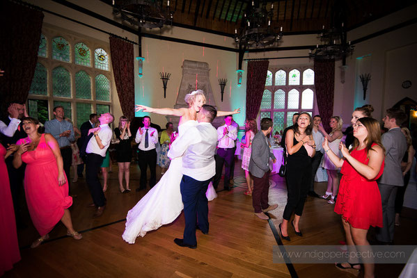 69-woolhanger-manor-wedding-photography-north-devon-first-dance-lift