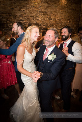 67-westcott-barton-wedding-photography-north-devon-dancing