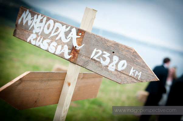 36-woolacombe-barricane-beach-wedding-north-devon-decoration
