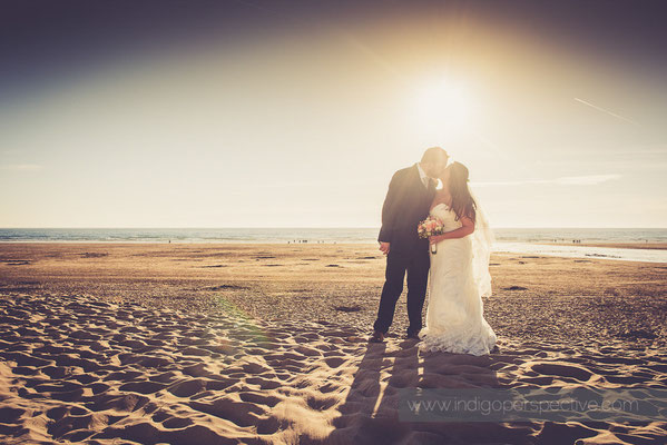 67-woolacombe-bay-hotel-wedding-photography-north-devon-bride-groom-evening-beach-kiss