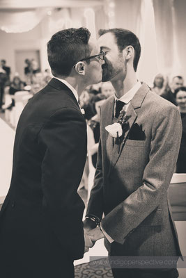 30-same-sex-wedding-north-devon-indigo-perspective-photography-ceremony-kiss