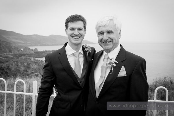 7-woolacombe-barricane-beach-wedding-north-devon-groom-dad