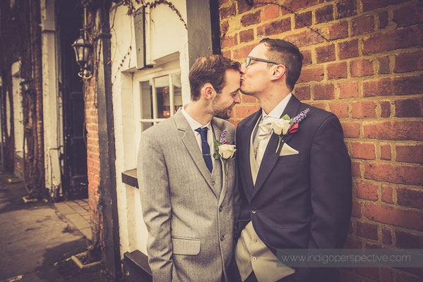 43-same-sex-wedding-north-devon-indigo-perspective-photography-kiss