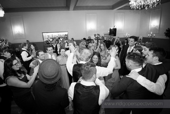 82-woolacombe-bay-hotel-wedding-photography-north-devon-evening-party-2