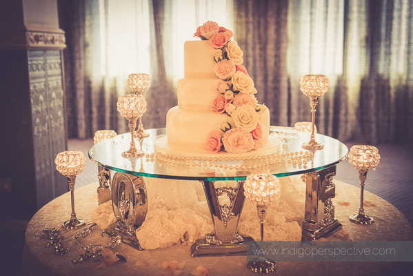 49-woolacombe-bay-hotel-wedding-photography-north-devon-cake