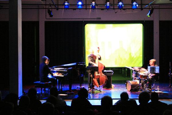 RITM: Christoph Reuter-piano, Sascha Paul Stratmann - bass, Andreas Brandis - drums, Matthias Gruner - visuals/ Bauhaus Dessau 2009