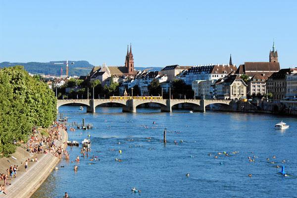 Am Rheinufer von Basel