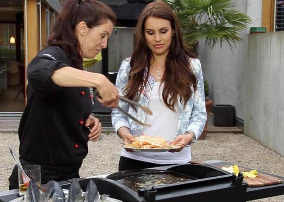 Claudine grillt mit EX-Miss Schweiz Amanda Ammann