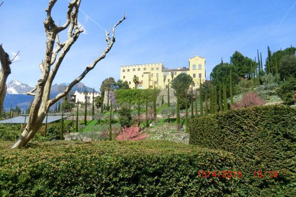 Blick aufs Schloss Trauttmansdorf