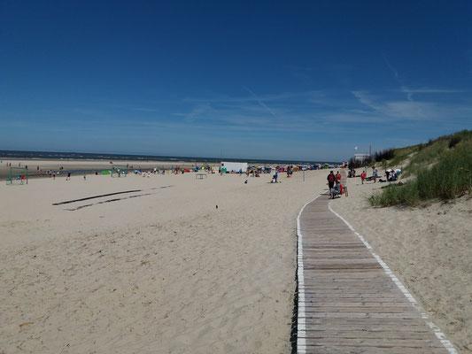 Der riesige weitläufige Strand