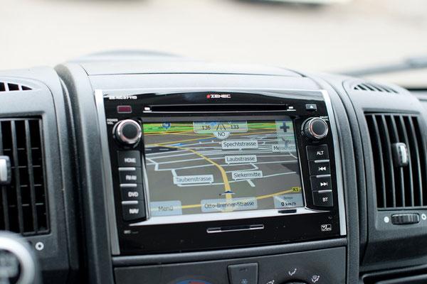 Zenec E3726 Wohnmobil Navigation mit Bluetooth Freisprecheinrichtung im Fiat Ducato
