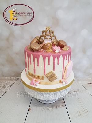 Dripcake met kroontje