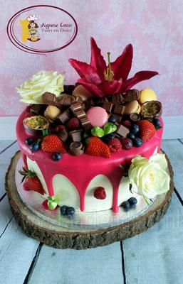 Drip cake met verse bloemen