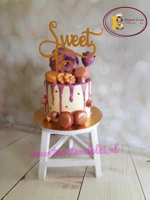 Sweet 16 dripcake