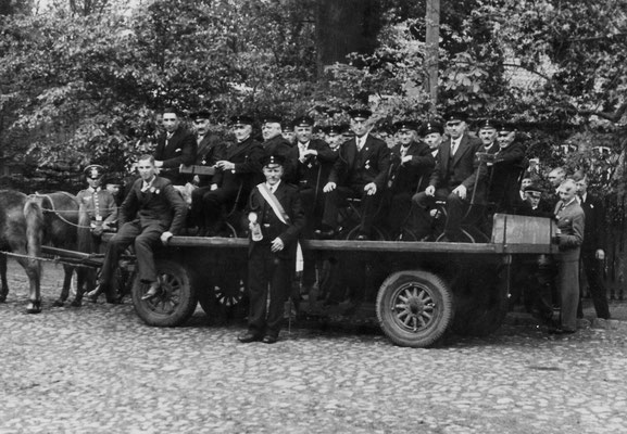 1939 Schützenfest Altenwagen mit Kommandeur