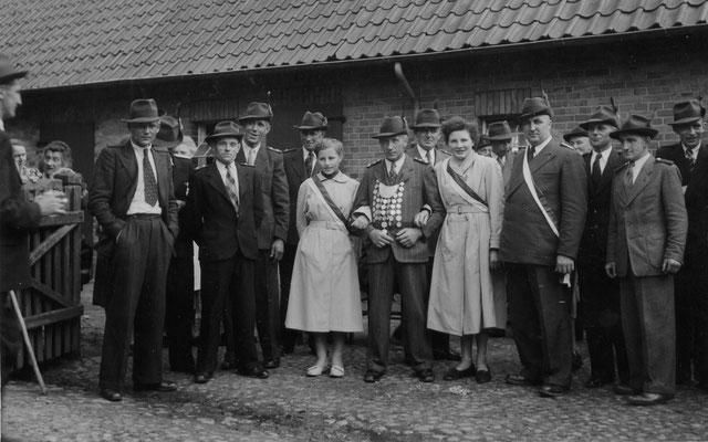 1954 Schützenkönig Heinrich Riefers mit Emmy