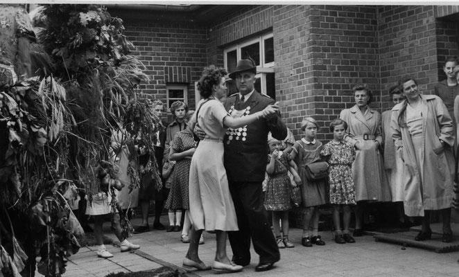 1953 Erntefest-Johann Lohmann Ehrentanz