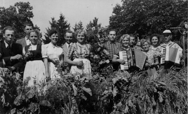 1953 Erntefest-Wagen mit Musik