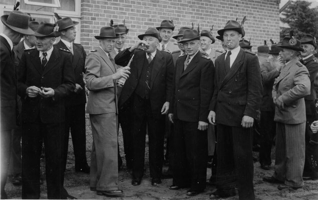 1954 Umtrunk bei Willi Maquardt