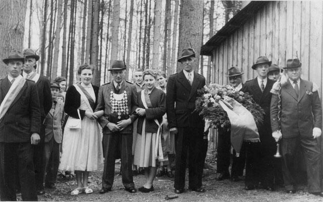 1954 Schützenkönig Heinrich Riefers im Schützenholz