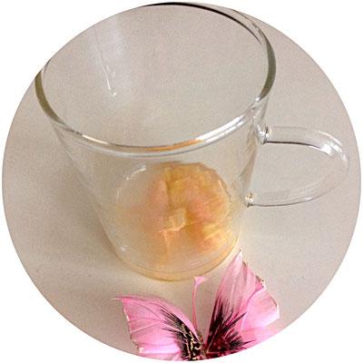 geraspelte Ingwerwurzel und Zitronensaft