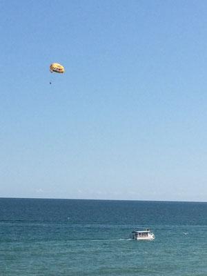Wassersport-Parasailing