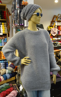 1. Lässiger Pullover und legere Mütze aus der Wool Addicts Collection - Qual. Earth, Lang Yarns
