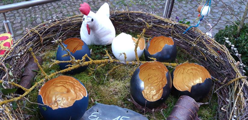 Dino-Eier beim Frühlingsmarkt