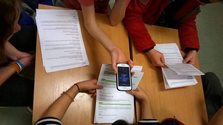 Realizacja sesji nagraniowej przez uczniów - fot. Jolanta Kortiak-Gulbinowicz