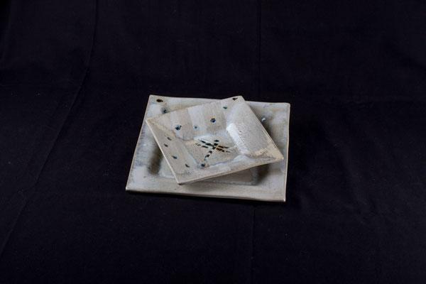 Assiettes carrées grande et creuse blanche