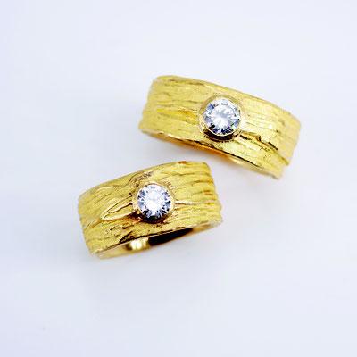 Ringe, 999,99er Gold mit zwei großen Brillanten TW vsi
