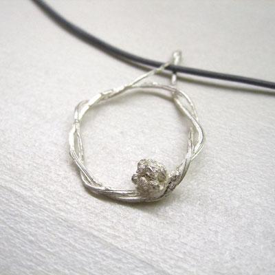 Kettenanhänger aus massivem Silber