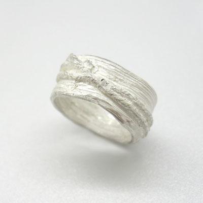 Ring aus massivem Silber