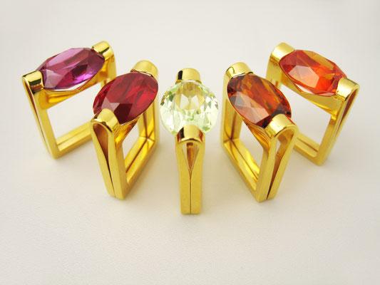 Preisgekrönte FOLDED Ringreihe in feingoldplattiertem Silber