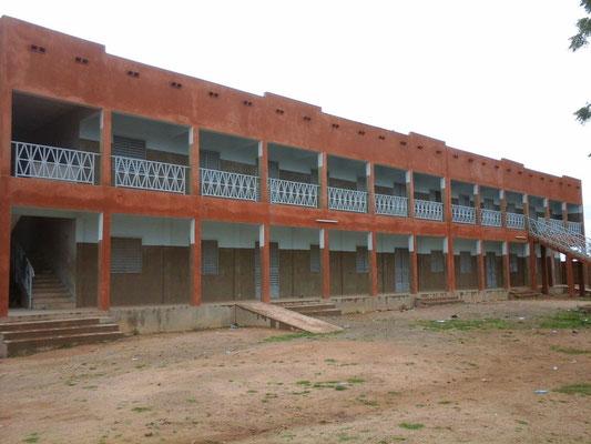 Le lycée où enseignent les Soeurs