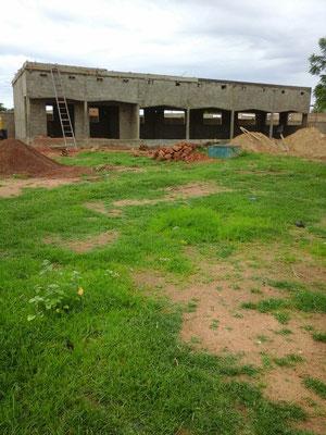 Lycée en chantier : la cours.