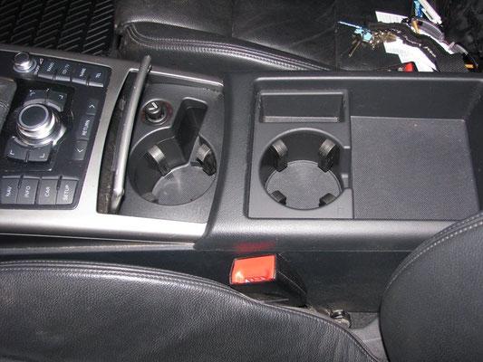 Ovdje uvijek uzimam malu četkicu i sredstvo za unutarnje čišćenje auta.... zašto četkicu???? Zar ne vidite koliko ćoškova i pukotina jedan automobil ima ....