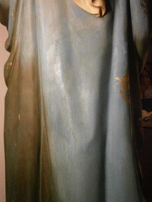 Tijdens restauratie - Verwijdering sterk gehechte (bruine) vervuiling. Foto: Sagrado Restauratie.