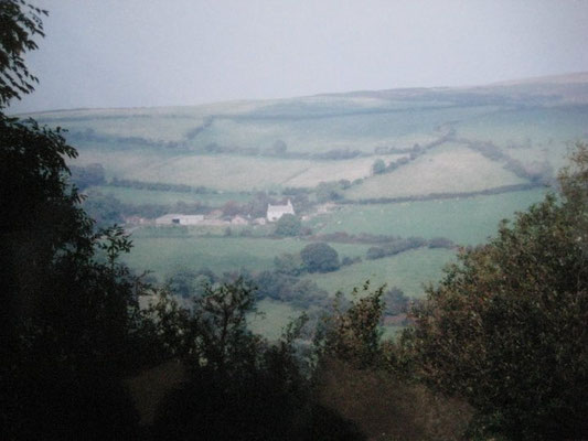 The farmhouse in the far distance ; 2010 - Photo taken by Eric Teperman