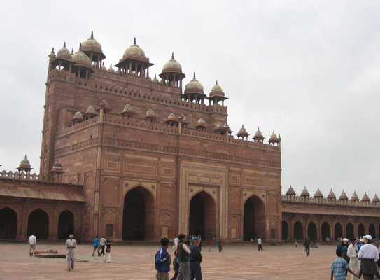 Fatehpur Sikri - Buland Darwaza_gateway to the Jami Masjid - 40 metre high
